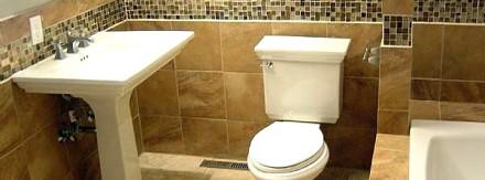 Modern bathroom with glass tiles